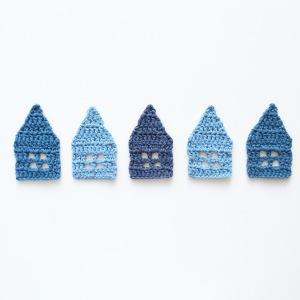 Little crochet houses