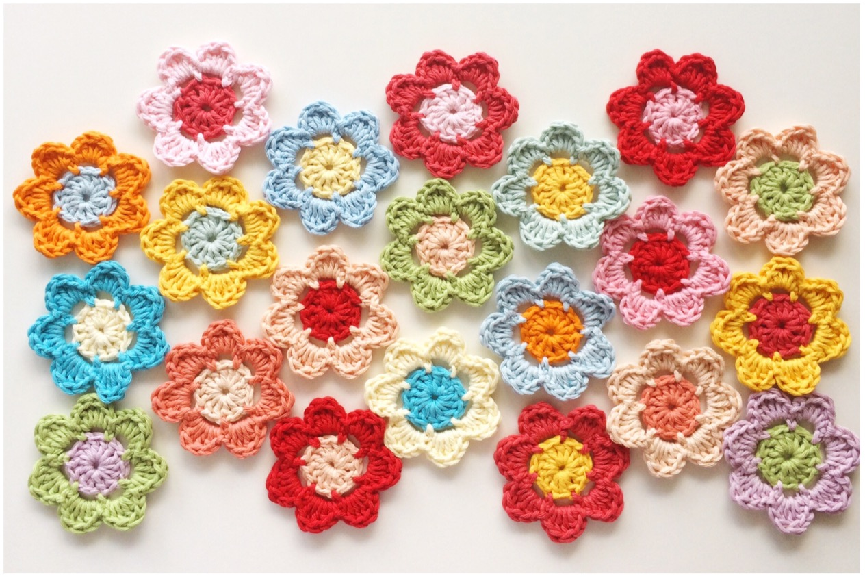 Easy Peasy Crochet Flower Pattern & Tutorial