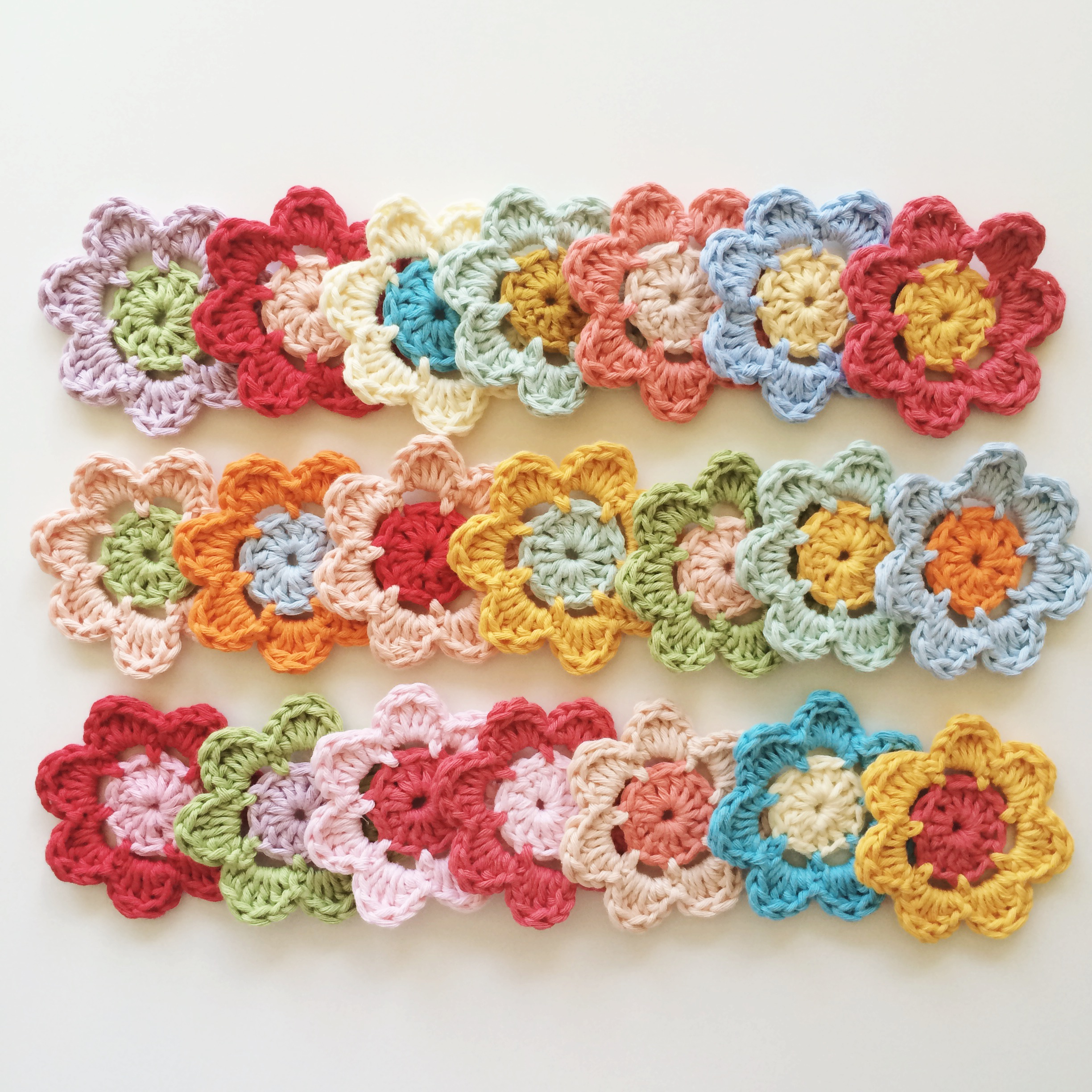 Easy Peasy Crochet Flowers