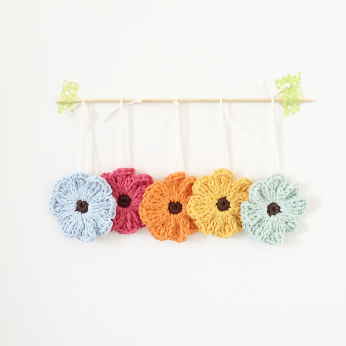 Zoe Crochet Flower Pattern And Tutorial Knitpurlhook It With Flowers S Found A Few Patterns